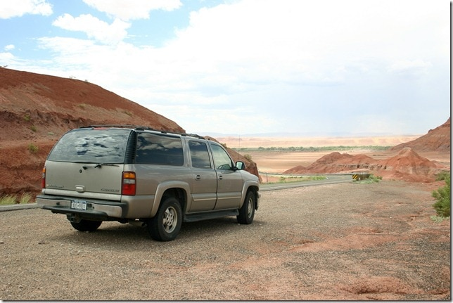 Chevy Suburban - Canyon de Chelly, Arizona
