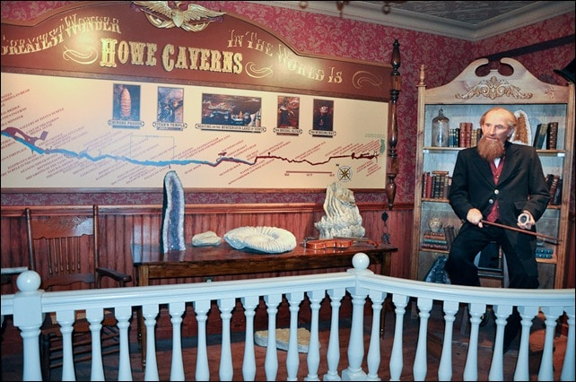 Howe Cavern - Lester Howe animatronic