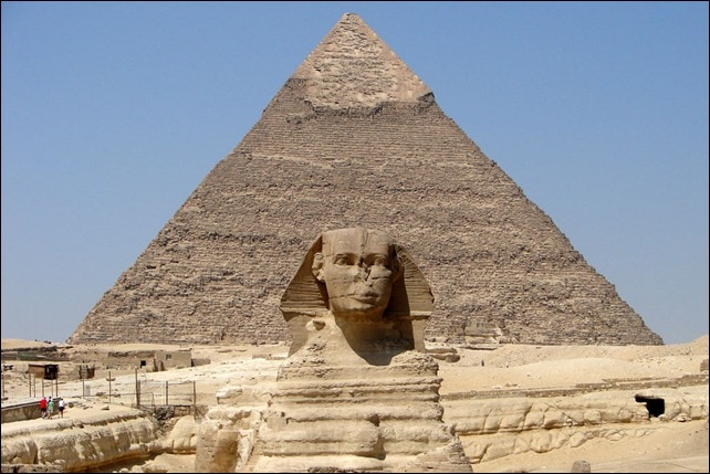 Giza-Sphinx-in-front-of-Kha