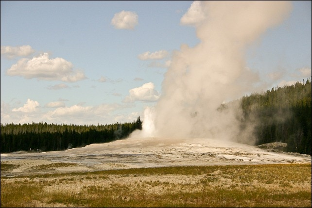 Old Faithful Geyser Yellowstone National Park-2