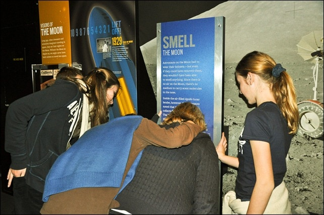 Smell the moon - Beyond Planet Earth - AMNH