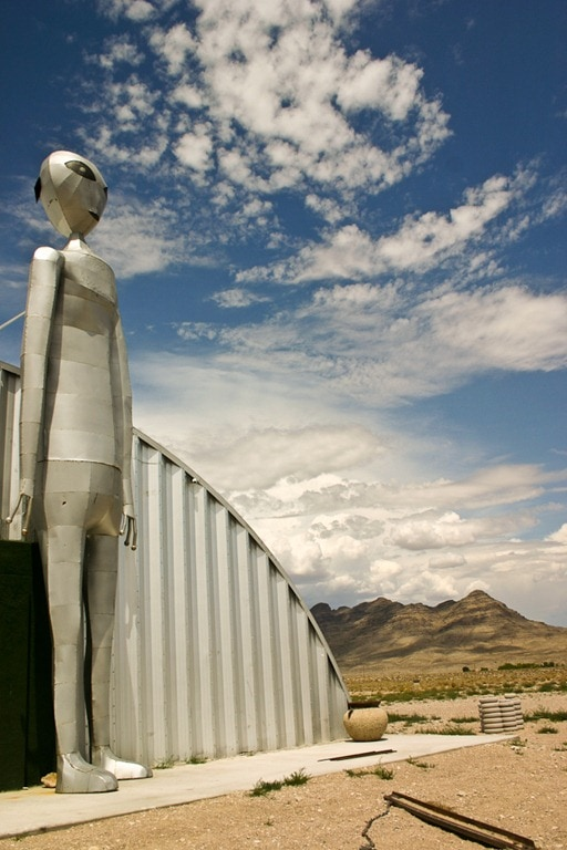 Area 51 – Extraterrestrials Sighted In Nevada