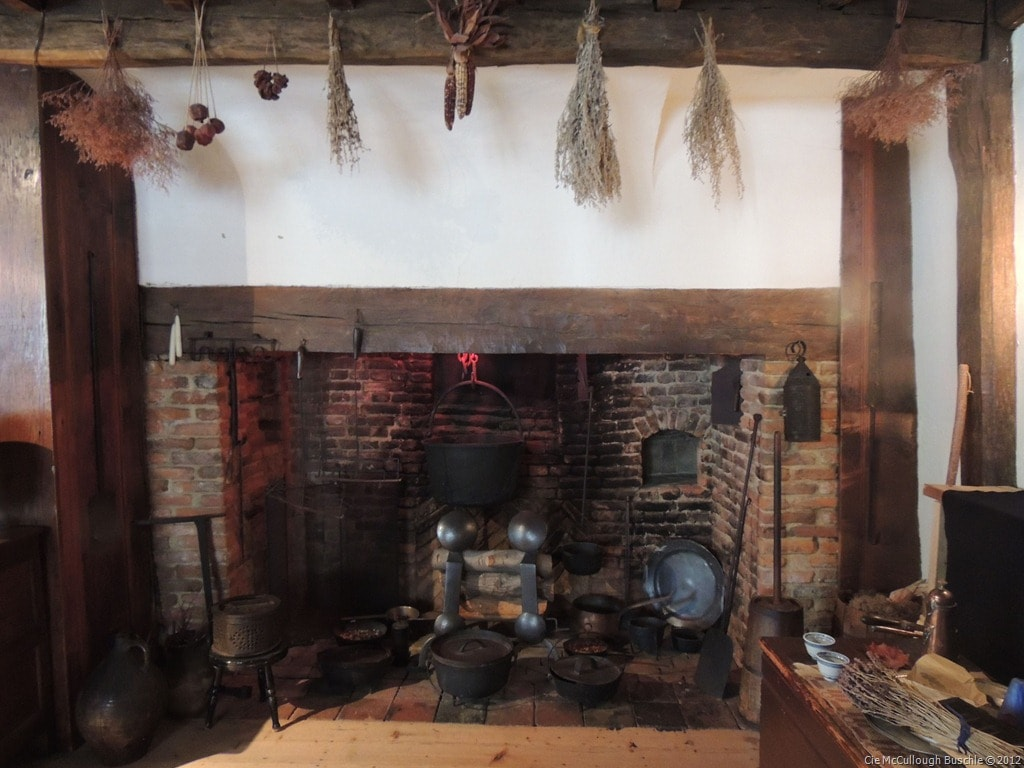 Witch trial witches kitchen brick oven google search for Witches kitchen ideas