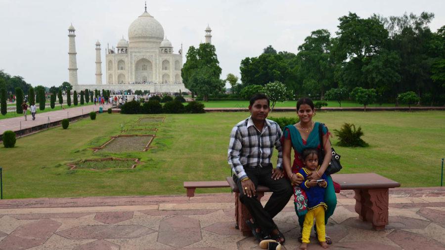Taj Mahal Indian family photo