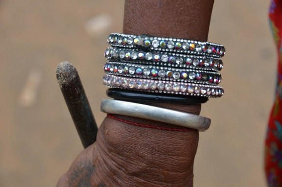 Village Tour - Traditional silver bangles - Jaipur, India