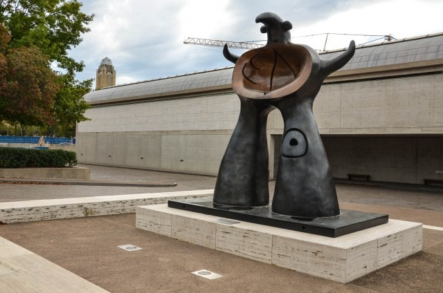 Woman Addressing the Public - Joan Miró - Outdoor Sculpture - Kimbell Museum - Fort Worth
