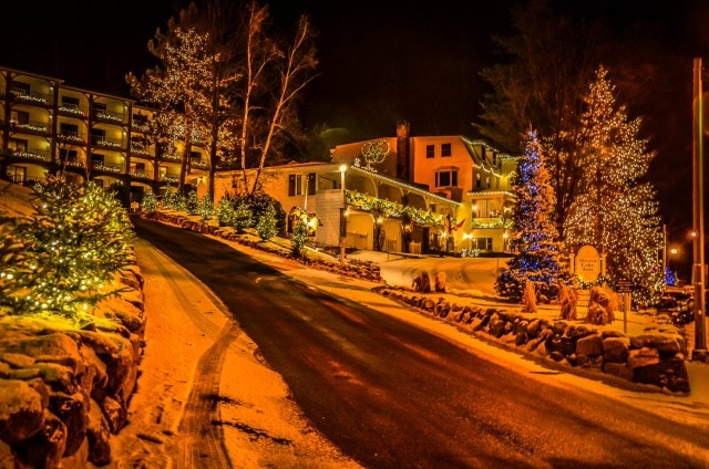 Mirror Lake Inn - Holiday Lights