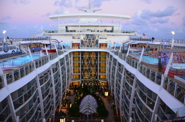 Atrium - Oasis of the Seas - Royal Caribbean