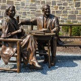 Eleanor and Franklin Roosevelt  bronze statue