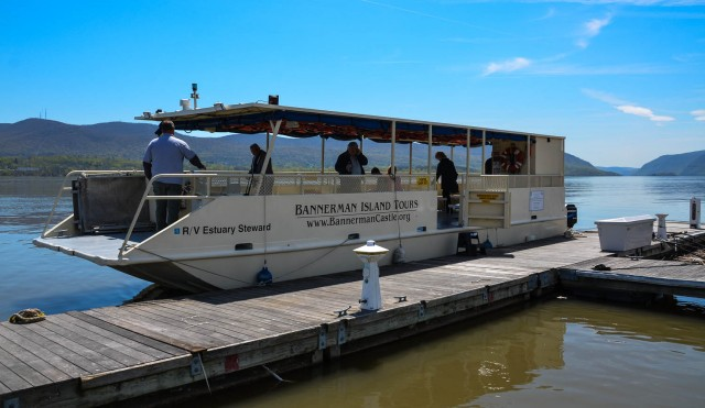 RV Estuary Steward Tour Boat - Bannerman Island Tour