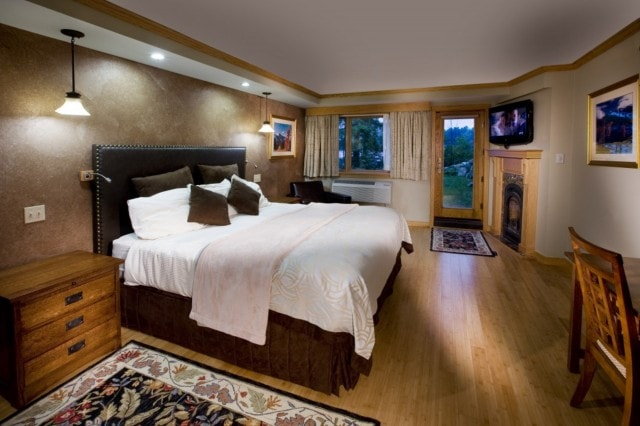 Golden Arrow Haystack guestroom.jpg