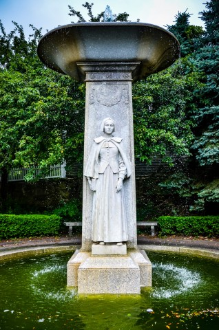 Pilgrim Mother Statue and Fountain - Plymouth MA